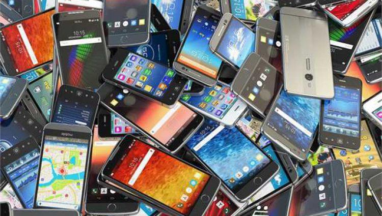 دلار نتیجه داد؛ «موبایل» ۲۰ درصد ارزان