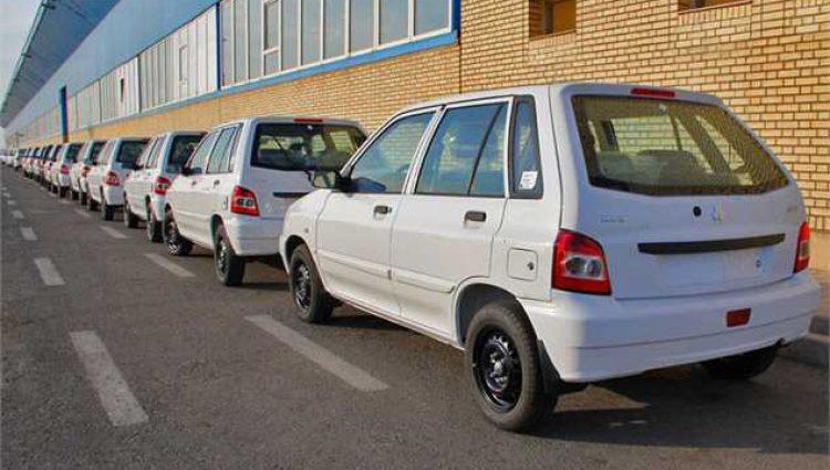 قیمت خودروهای داخلی و وارداتی کاهش یافت